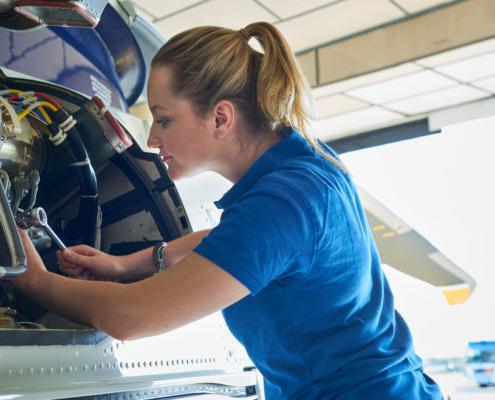 女性在航空航天